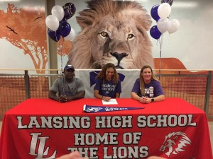 Congratulations to Victoria Robinson as she signed her national letter of intent to compete in Track & Field at Kansas State University next Fall.